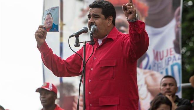 """El presidente Nicolás Maduro convocó, martes 25 de octubre de 2016, a una reunión este miércoles del Consejo de Defensa de la Nación (Codena), integrado por los cinco poderes, """"para evaluar el golpe parlamentario de la Asamblea Nacional y el plan de diálogo para la paz""""."""
