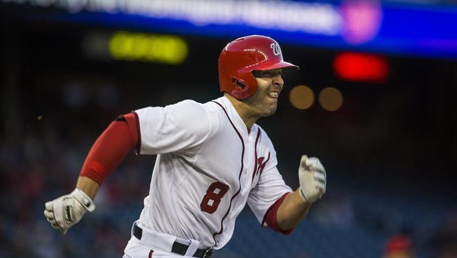 En la imagen, el jugador de béisbol Danny Espinosa de los Nacionales de Washington.