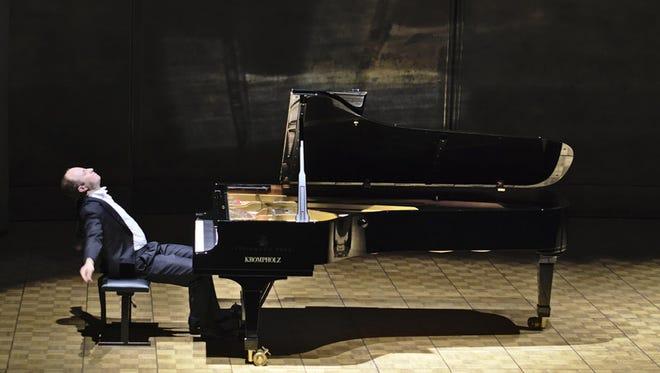 Alexander Gavrylyuk at the International Piano Series