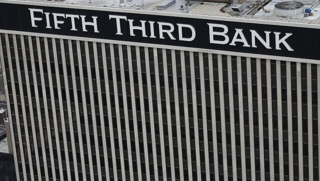 Fifth Third Bank tower on Fountain Square in downtown  Cincinnati