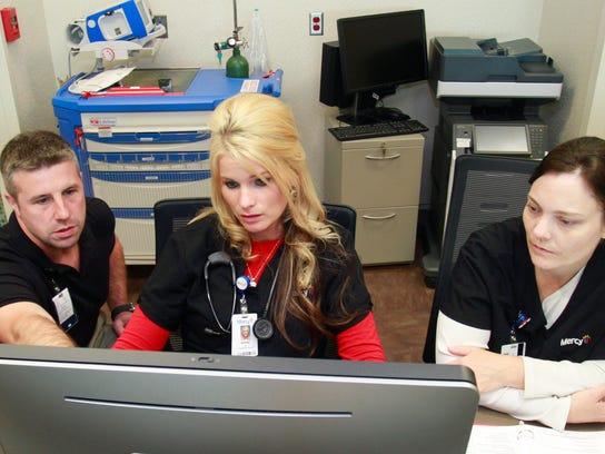 MAIN _employees0144.jpg