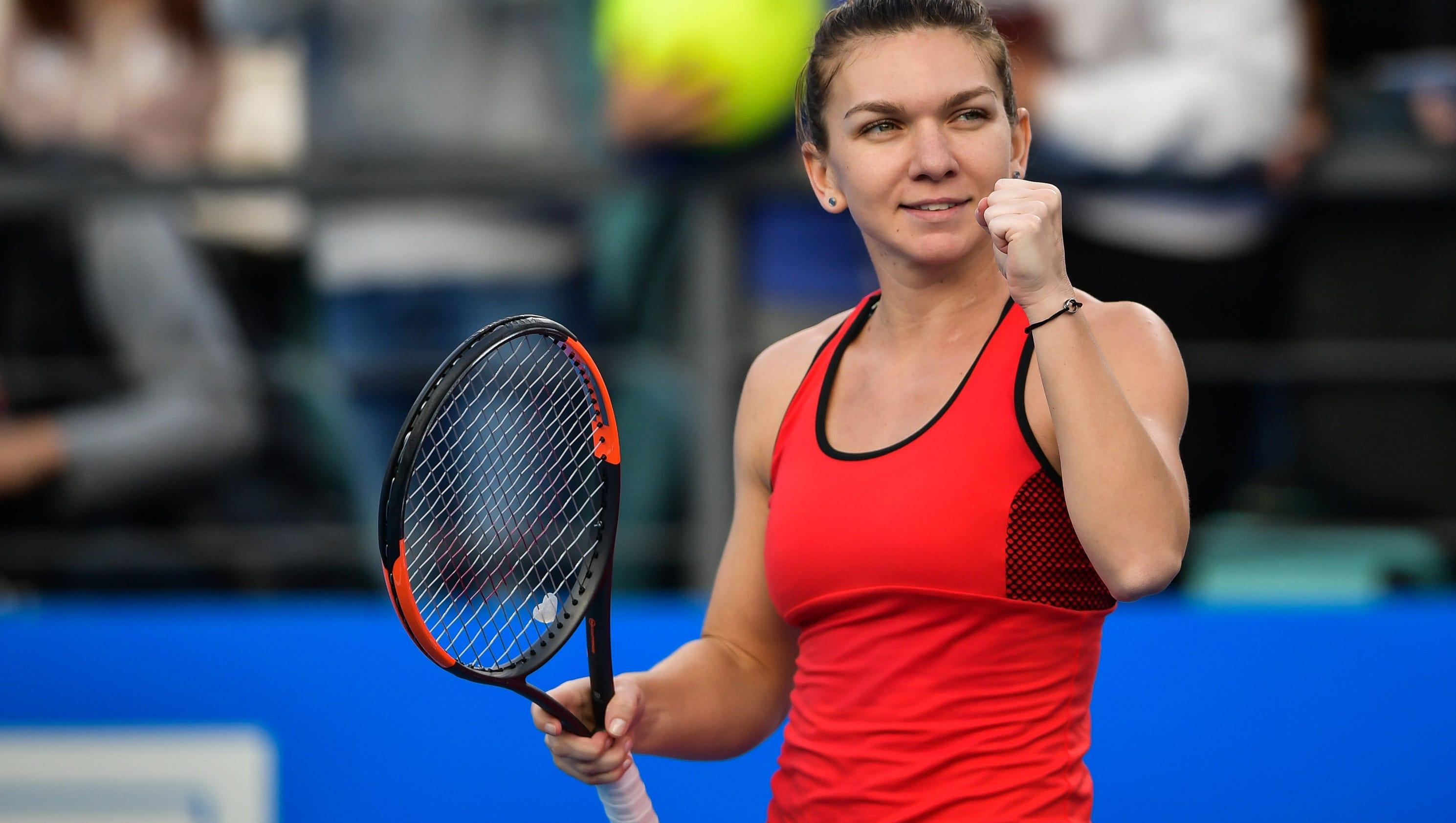 Simona Halep Photos Photos - 2015 Australian Open - Day 7 ...  |Halep