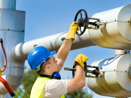 17_06_22-natural-gas-pipeline_hep_epd_gettyimages-500736141_large.jpg