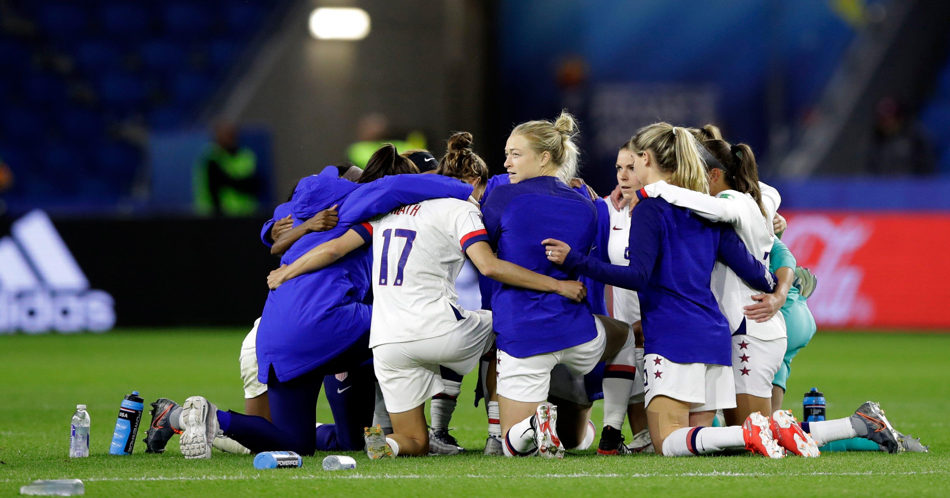 womens football increasing - HD3283×1991