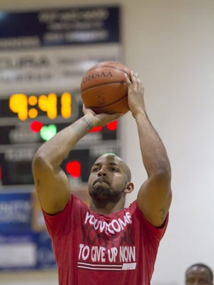 Former Ohio State receiver Roy Hall has organized the team of Buckeyes that will face a group of local all-stars in the Instant Classic charity game prior to the 38th News Journal All-Star Basketball Classic.