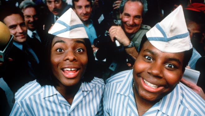 "DATE TAKEN: 1997--- Ed (Kel Mitchell,left) and Dexter (Kenan Thompson, right) in Paramount Pictures' ""Good Burger."" ORG XMIT: UT49871"