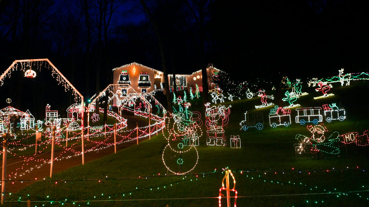 Beloved Christmas lights display to dim after 35 years