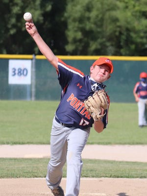 Carter Dronenberg delivers a pitch for Pontiac during its junior high baseball win over Metcalf at Jaycee Park Monday.