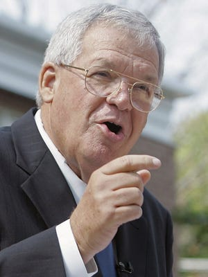 House Speaker Dennis Hastert, R-Ill., announces that he will not seek re-election for a 12th term in Yorkville, Ill., on Aug. 17, 2007.