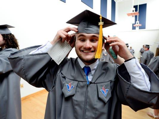 636296893817327967-NAS-TN-Promise-graduation-004.JPG