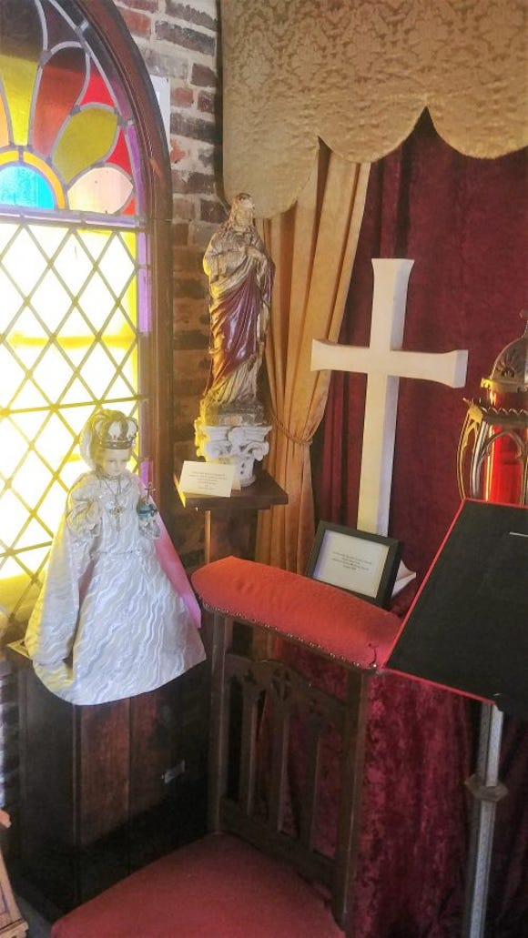 The museum includes artifacts recalling St. Peter's. (SLM photo)
