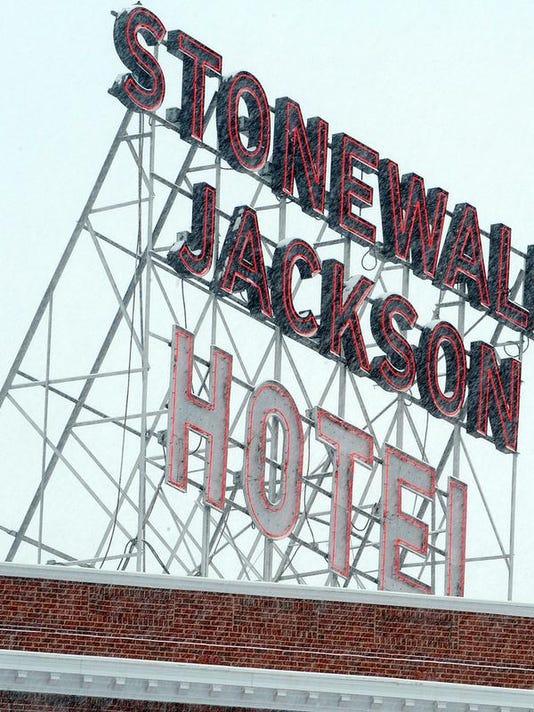 StonewallJacksonHotelSign.jpg