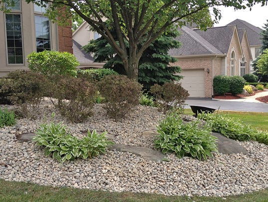 Landscaping With Wood Mulch : Let s grow is stone mulch better than wood