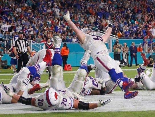Buffalo Bills defensive tackle Kyle Williams (95) and