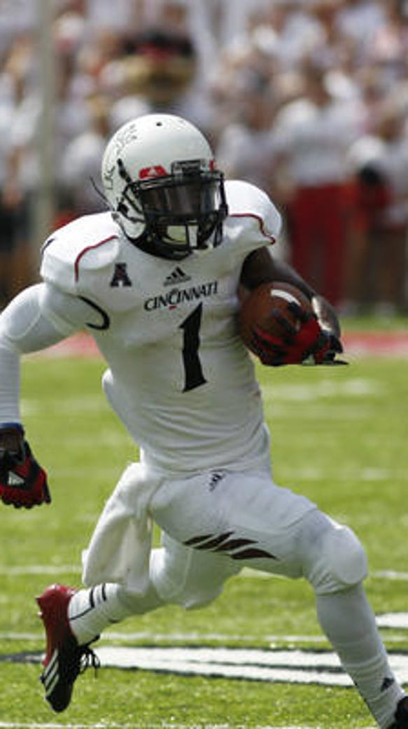 Former UC football player Abernathy joining Tennessee