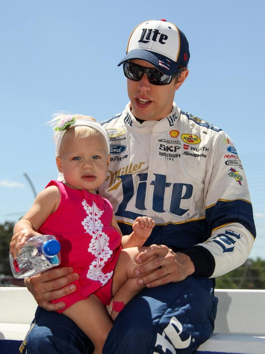 NASCAR: Axalta 'We Paint Winners' 400