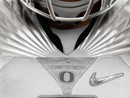 Nike uniforms being worn by  Oregon Ducks  during the