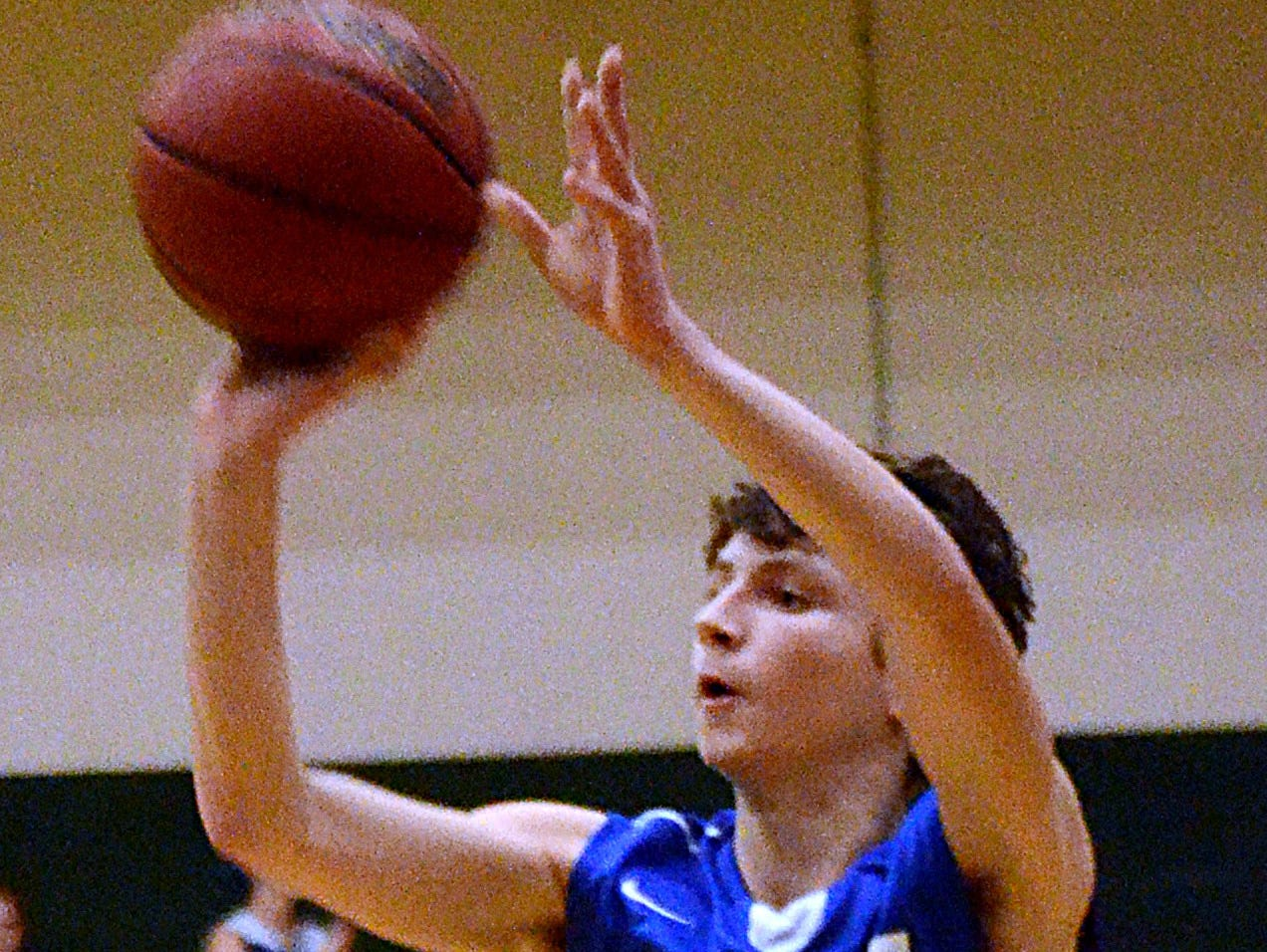 White House High freshman guard Cole Pond scored 11 points in Monday evening's 66-65 loss at Gallatin.