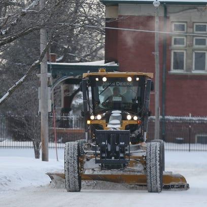 DOT SNOWPLOW LIGHTS: The Iowa Department of Transportation