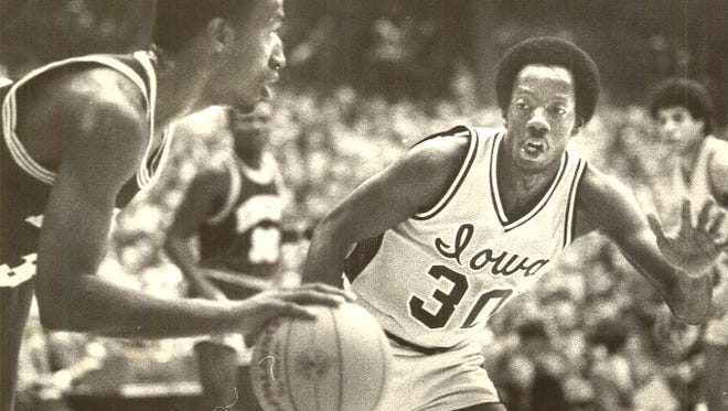 Iowa's Kenny Arnold guards Minnosota's Trent Tucker during a game in February 1982.