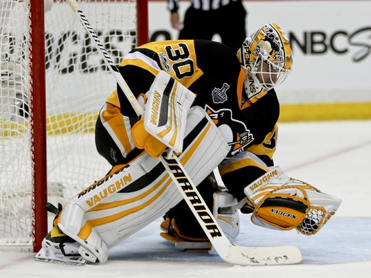 Pittsburgh Penguins goalie Matt Murray (30) plays against the Nashville Predators in game 2 of the NHL Stanley Cup Finals hockey game, Wednesday, May 31, 2017, in Pittsburgh. (AP Photo/Keith Srakocic)