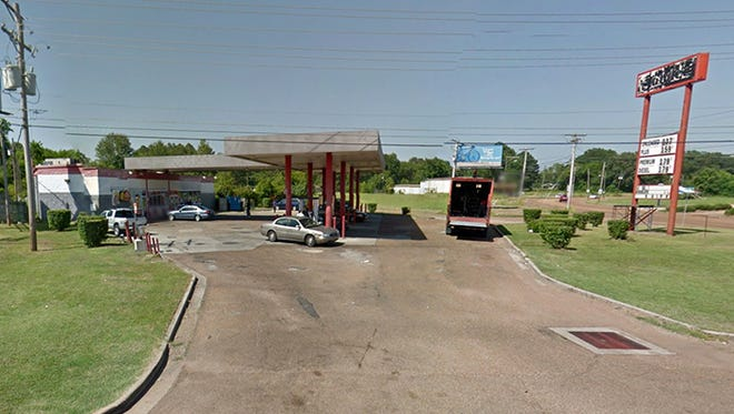 Convenience store located at U.S. 80 and Lynch Street in Jackson, Miss.