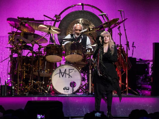 635598103657390276-Fleetwood-Mac-review-PEARL-12