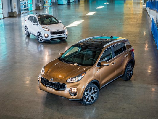 2017-SPORTAGE-SX-AWD-and-SX-2WD