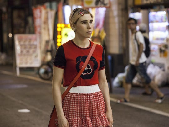 Shoshanna (Zosia Mamet) feels more at home living and