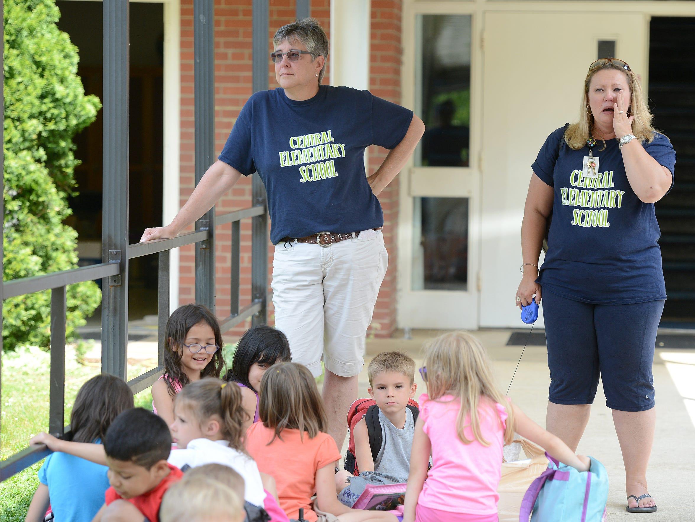 First grade teachers Gail Noland, left, and Sharon