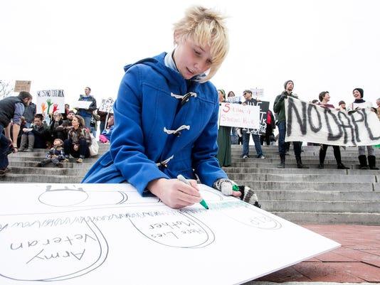 636164646613274072-Standing-Rock-protest-in-Frankfort--PEARL-11.jpg