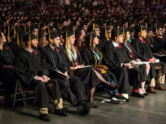 636174929471376831-UofL-winter-commencement--PEARL-01.jpg