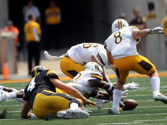 636399640160971002-170902-17-Iowa-vs-Wyoming-football-ds.jpg