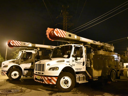 FirstEnergy utility crews dispatch from Summit on Thursday,