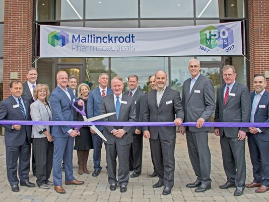 Mallinckrodt-Ribbon-Cutting---image-1.jpg