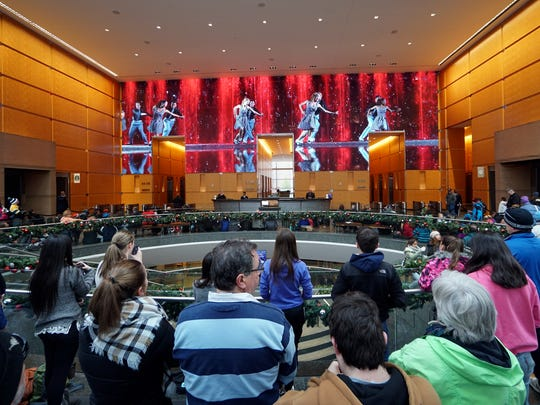 The Comcast Holiday Spectacular Show offers families a fun and free way to get in the holiday spirit in its lobby of the Comcast Center in Philadelphia.