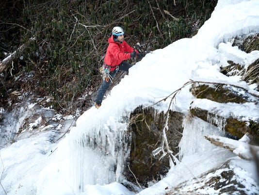 636510143187122078-Ice-Climbing-Outdoors-007.JPG