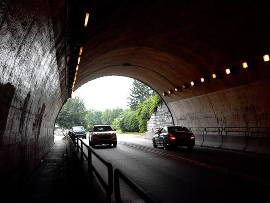 Beaucatcher-Tunnel-003.jpg