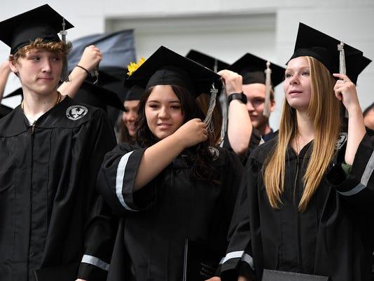 636646053645625900-MiddleCollege-Graduation-057.JPG