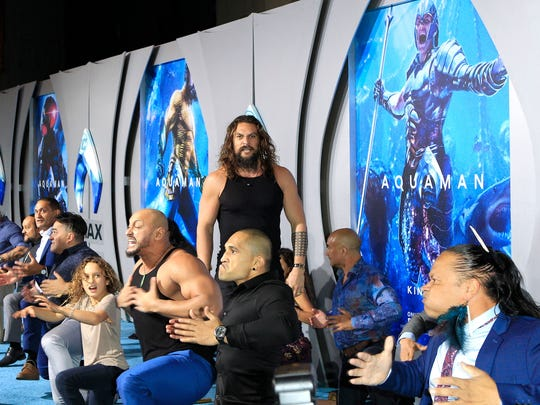Jason Momoa performs the Haka at the Aquaman premiere