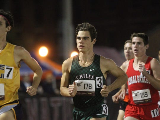Chiles' Michael Phillips runs the 3200 invitational