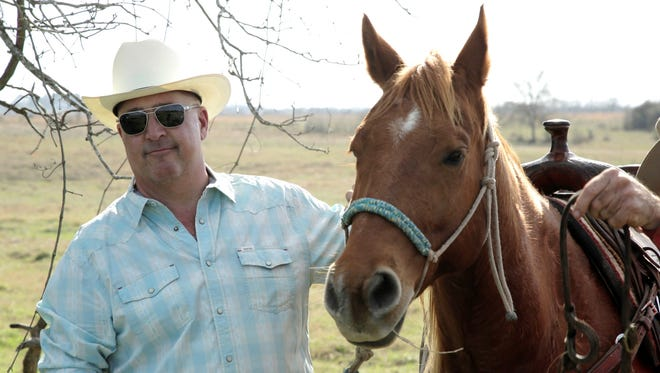 """""""Bizarre Foods"""" with Andrew Zimmern rides back to Kentucky for new season"""
