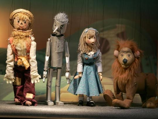 Paper Moon Puppet Theatre's production of ``The Wizard of Oz'' starred these cute puppets.