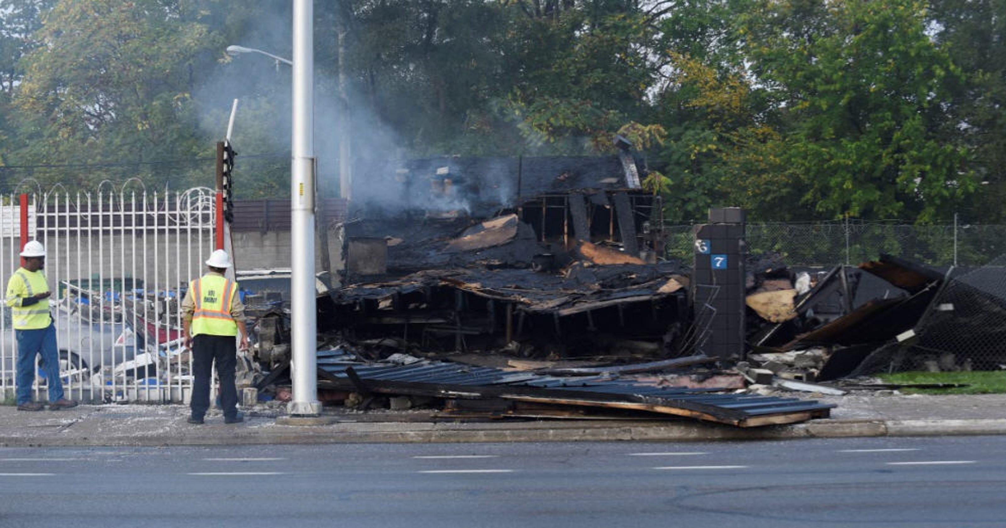 Fire destroys Detroit motorcycle club
