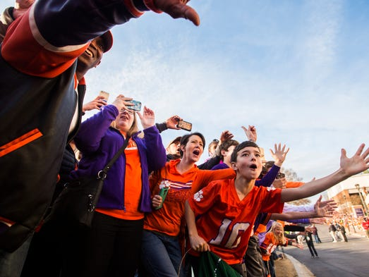 Clemson fans welcome home the Tigers after their National