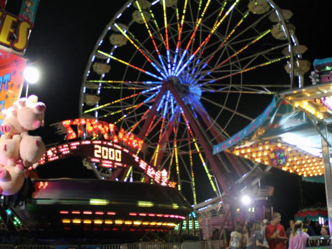 Win tickets to the fair and Grandstand performances.  Enter 7/20 - 7/31