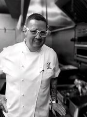 Celebrity chef Graham Elliot is coming to Titletown