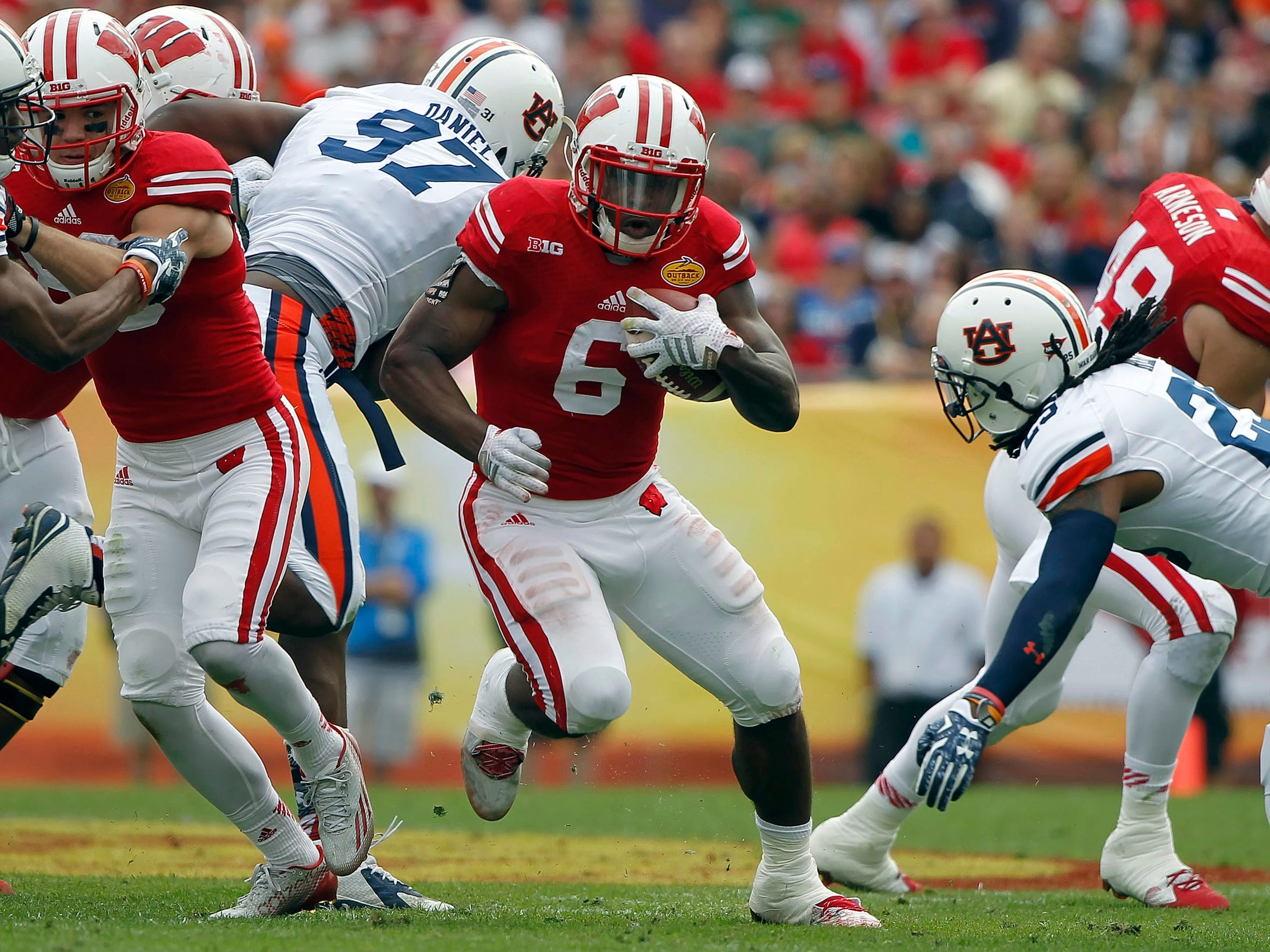 Wisconsin running back Corey Clement (6)