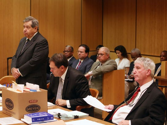 Lawyers give opening statements as Mount Vernon Democrats