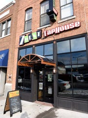 7 West Taphouse in downtown St. Cloud features dog-friendly outdoor dining.